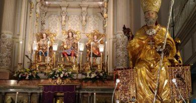 San Nicola: consegnate le chiavi della città al Patrono